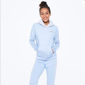 SOLD PINK PERFECT PULLOVER CLASSIC PANT GIFT SET